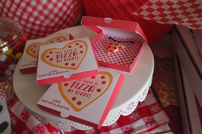Valentine's Day pizza party, valentines day, you have a pizza my heart, love you to pizzas, partnership, oriental trading, free printable, pizza valentines, kids pizza party, make your own pizza, pizza party, just add confetti, pizza box printable, mustache printable, creative valentines, little chefs, pizza chefs