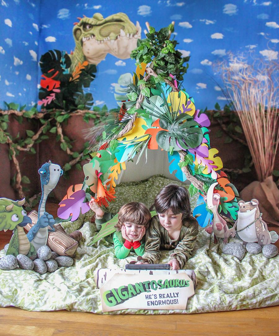 Gigantosaurus, dinosaur party, dinosaur, Giganto, Disney, Disney Junior, Gigantosaurus Premiere Party, dinosaur pancakes, dinosaur crafts, preschool crafts, dinosaur tv show, Just Add Confetti, dinosaur feet craft, paper craft, brand partnership, party blogger, Rocky, Mazu, Tiny, Bill, dinosaur activites,